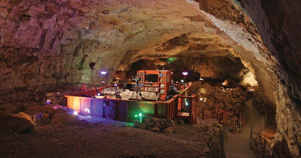 Grand-Canyon-Caverns-Arizona-USA